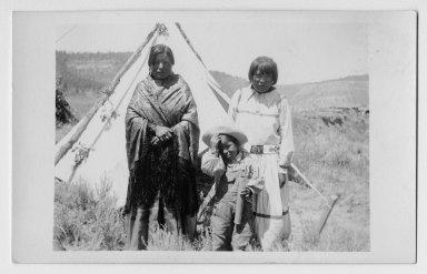 Bonita, Agnes, and Oliver Velarde.