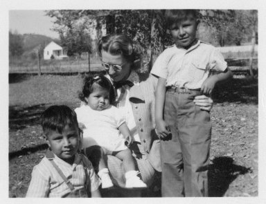 Gertrude Van Roekel with the Juan Naranjo children.