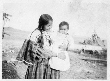 Donacha Vigil Quintana and child