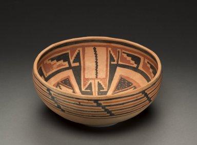 Hopi (Anasazi) Kinishba Polychrome pottery bowl.
