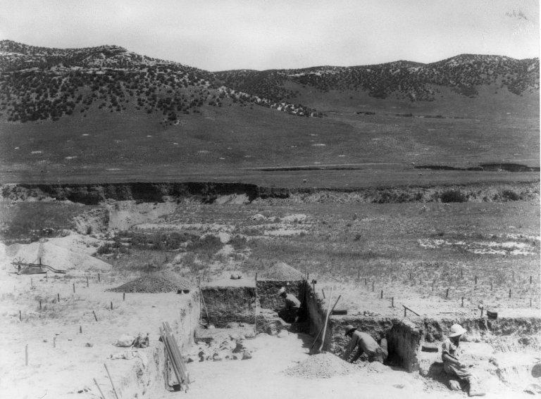 Excavation at Lindenmeier site