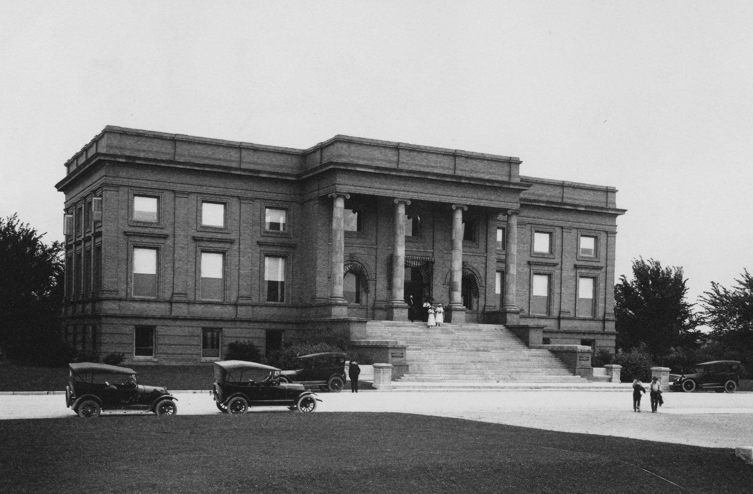 Denver Museum of Natural History building, 1908.