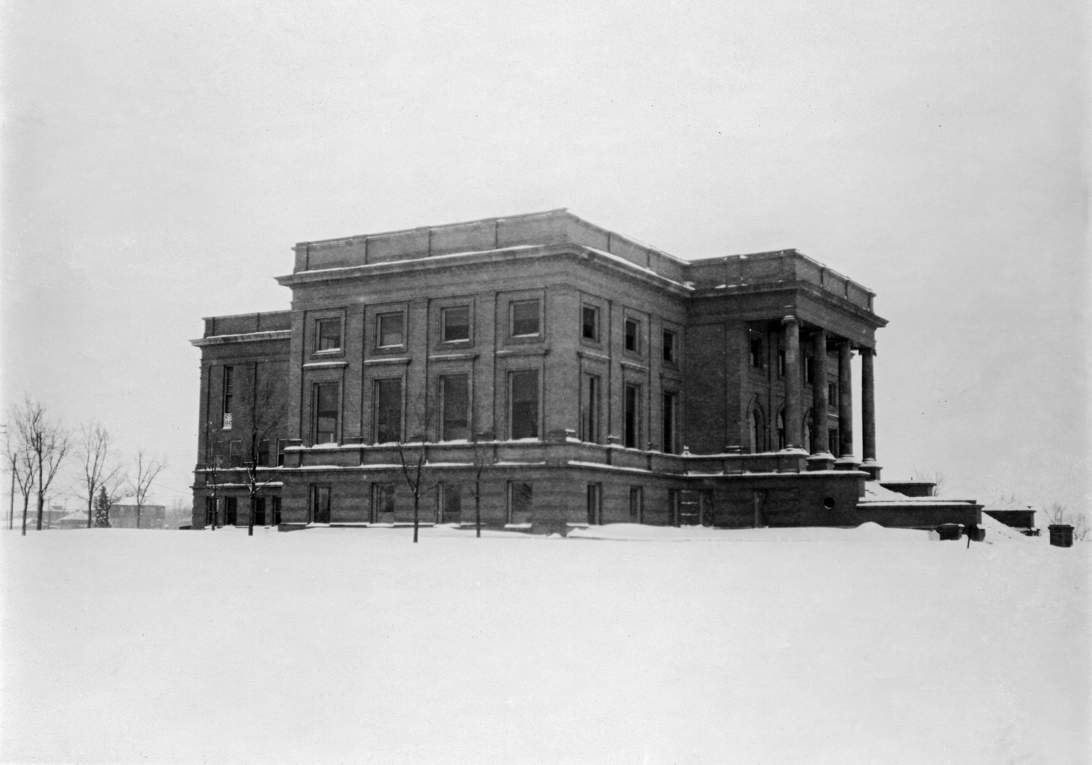 Winter scene of the Colorado Museum of Natural History building.