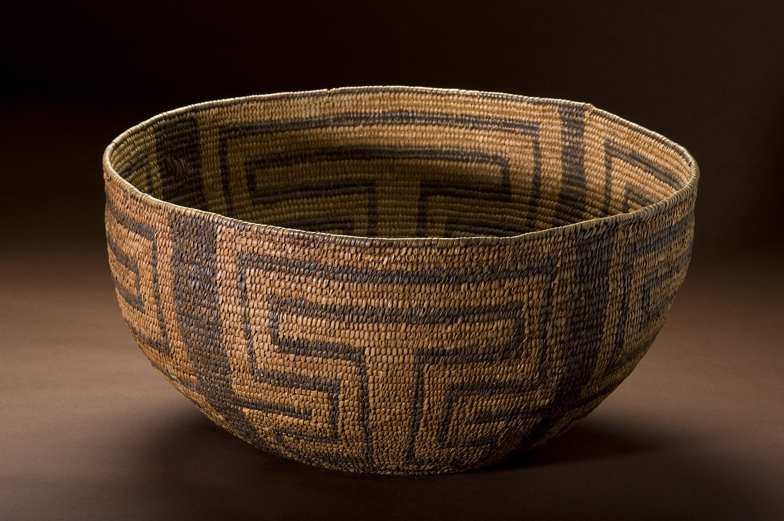 Willow basket bowl