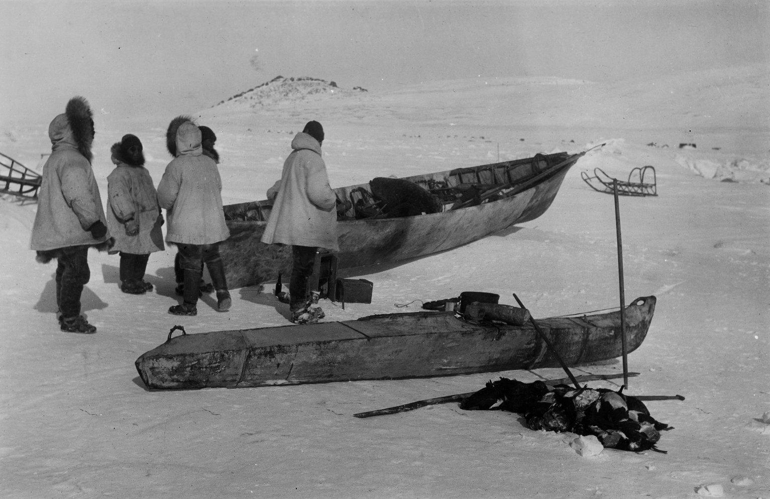 Natives hunting eider