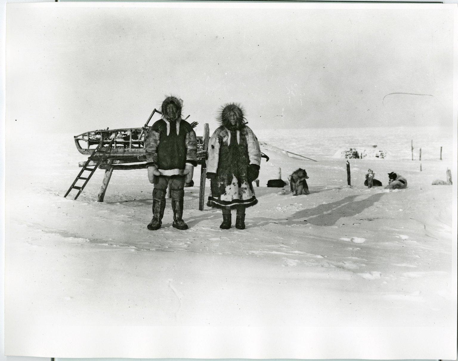 Wainwright natives and igloo
