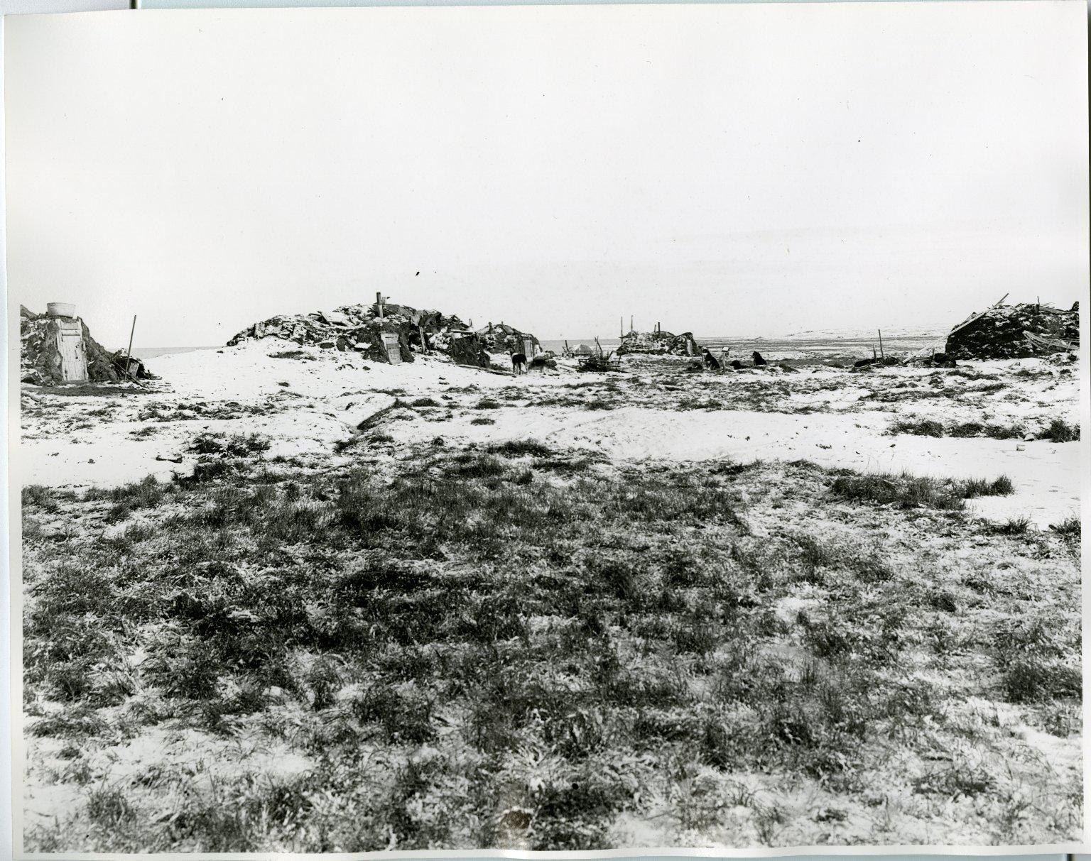 Wainwright (Native igloos)