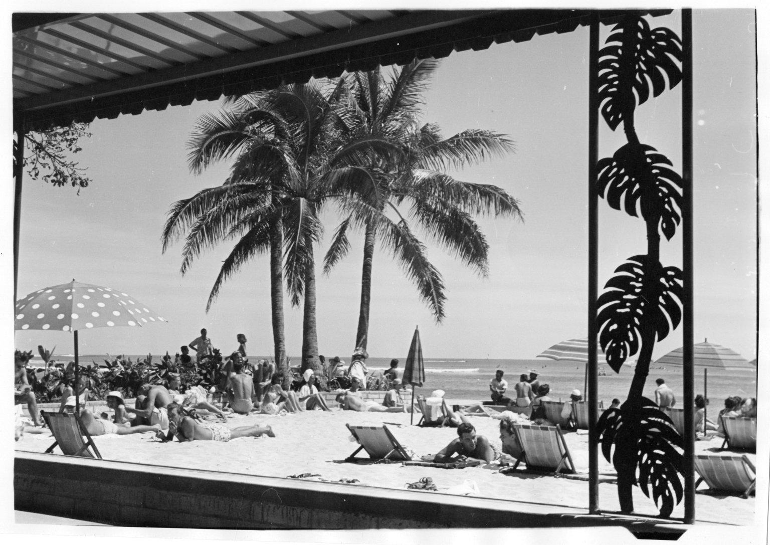 Moana Hotel beach on Waikiki