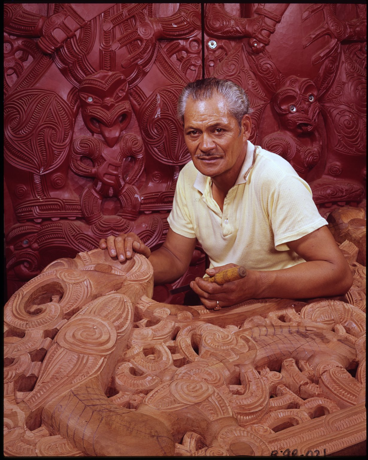 Maori carving instructor