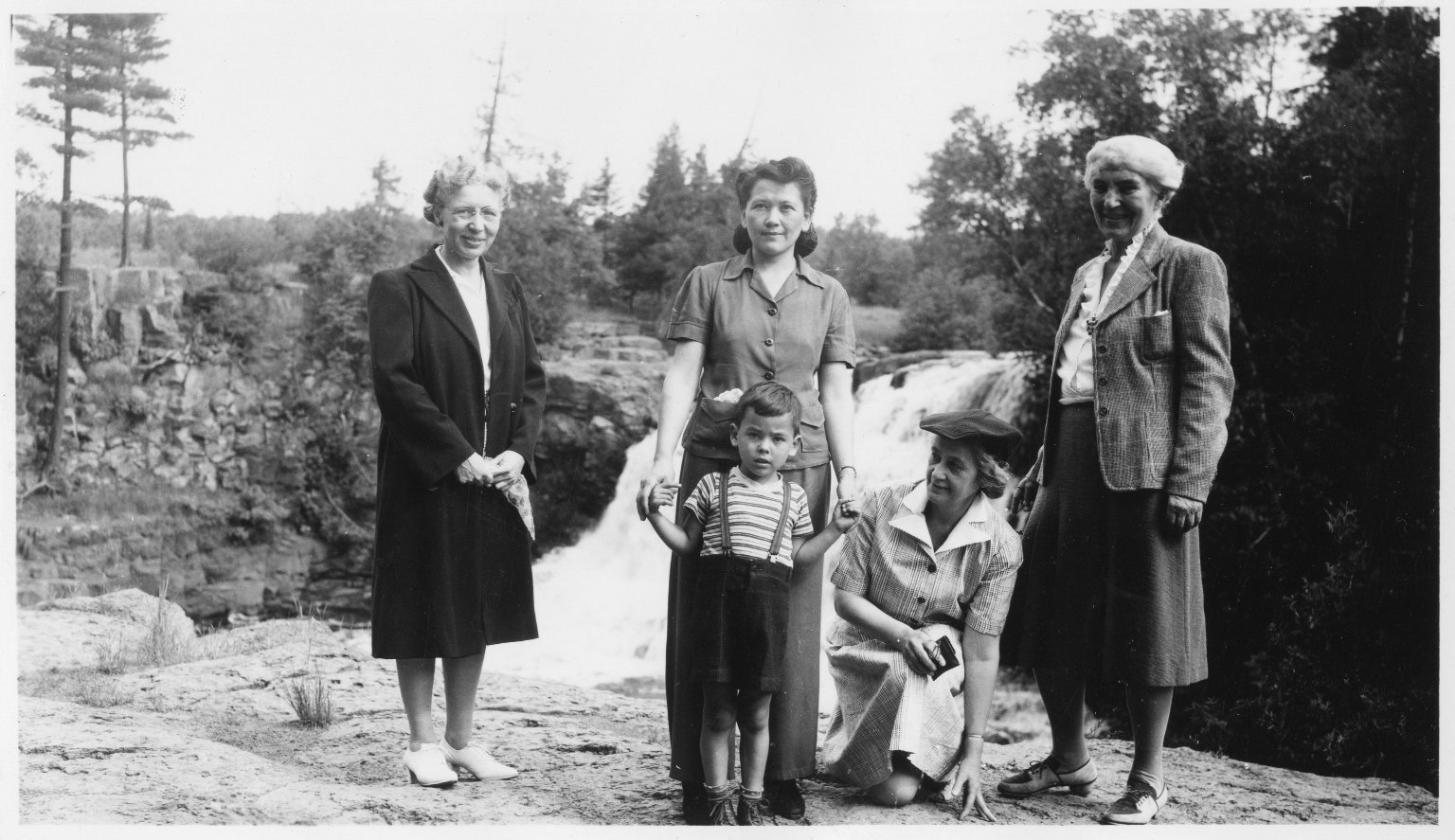 Ruth Underhill and her Sisters an Mother