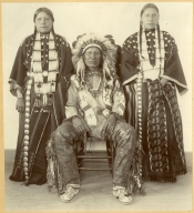 American Horse and daughters of the Sioux tribe