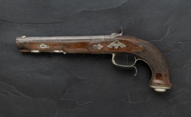 Dueling pistol