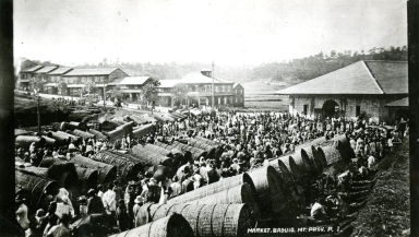 Market scene in the Philippines