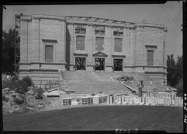 Phipps Auditorium construction. Scanning and access made possible by a grant from NEH.