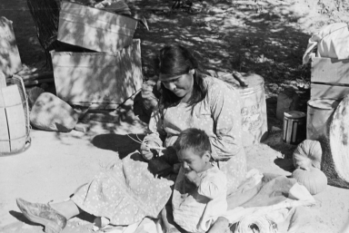 Unidentified Tohono O'odham Woman and Child