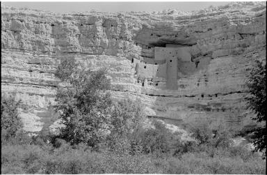 Montezuma Castle cliff dwelling