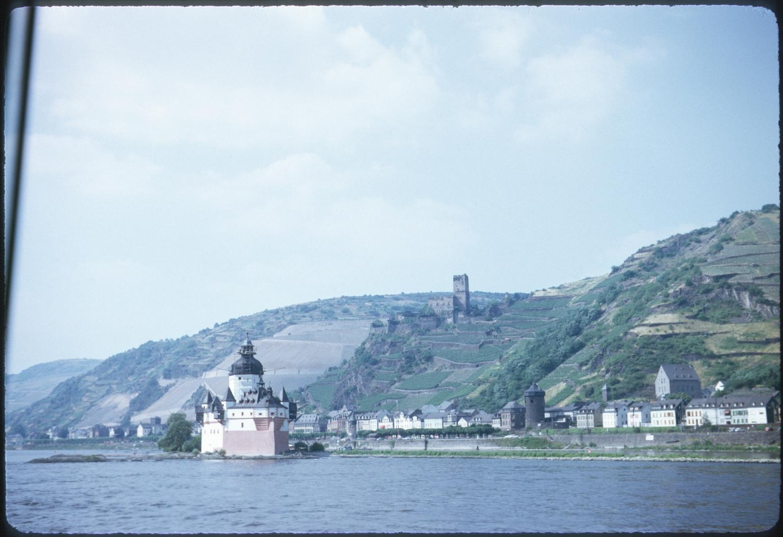 Pfalzgrafenstein Castle and Gutenfels Castle