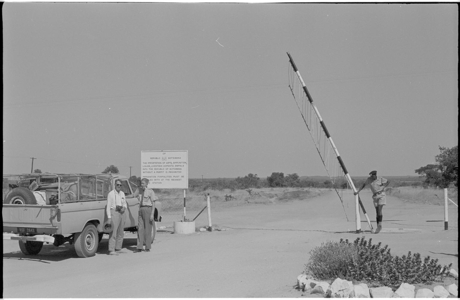 Rhodesia (Zimbabwe) Botswana border crossing