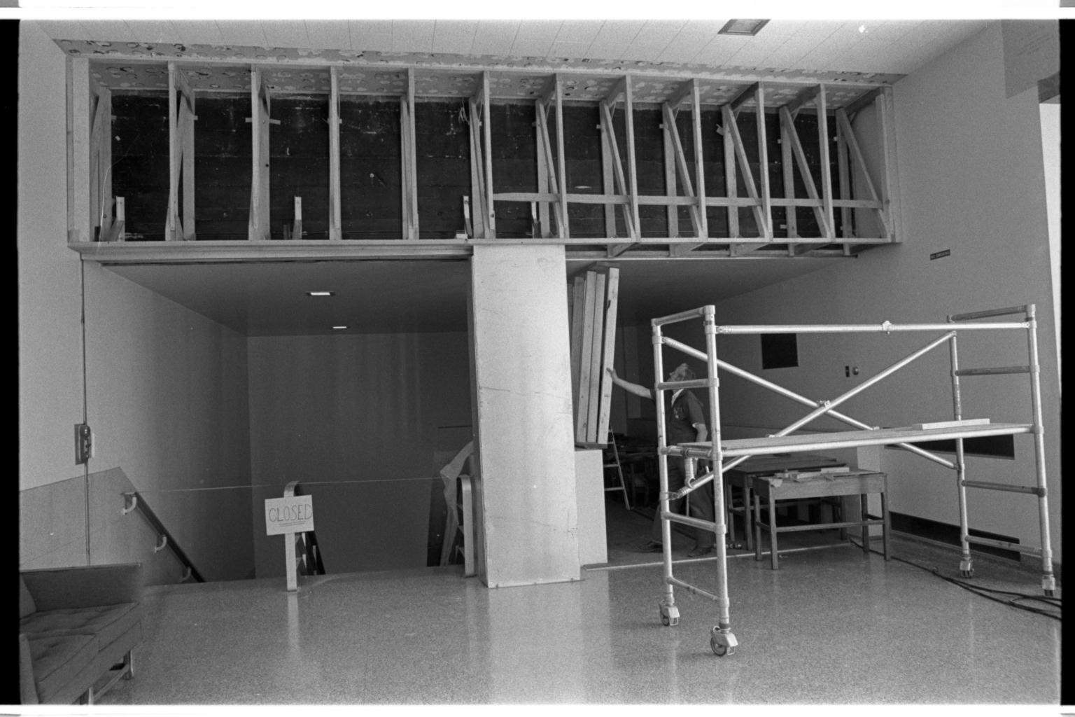 Bailey Lounge Construction