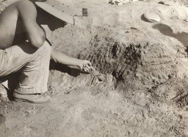 Artifact in situ