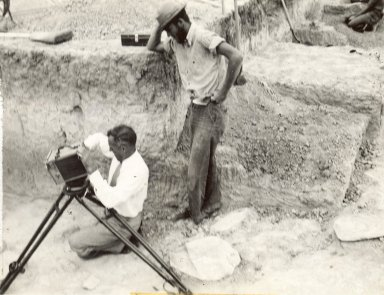 Paramount News cameraman and Bob Easterday