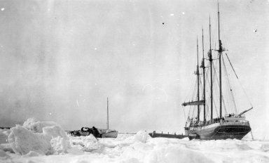 Ship 'C.S. Holmes' in ice