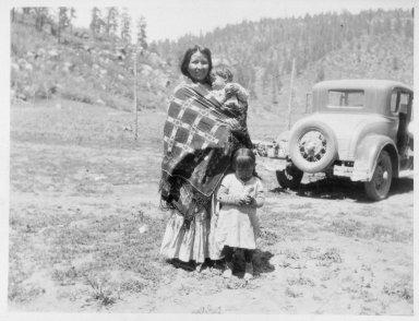 Jicarilla Apache mother and children