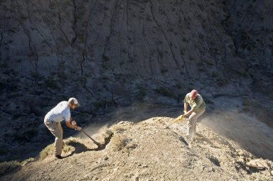 L-R: DMNS Volunteers David Allen and Dane Miller excavate a site on the Kaiparowits Plateau.