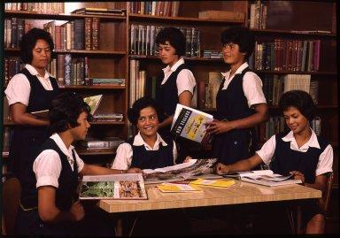 Students of the Qnueen Victoria School