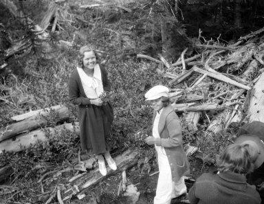 Robert Landberg and young girls