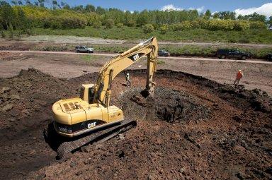 Snowmastodon Excavation, People with Crane