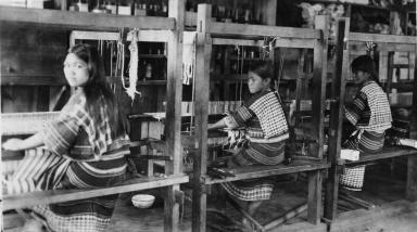 Filipino weavers