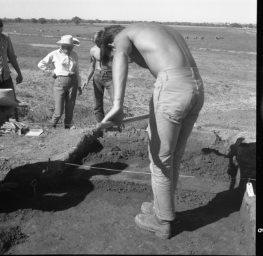 Workers excavating the Frazier site