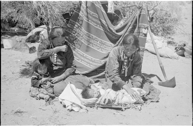 Navajo women and children