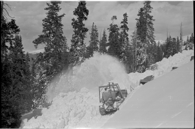 Snow removal operations on Trail Ridge Road