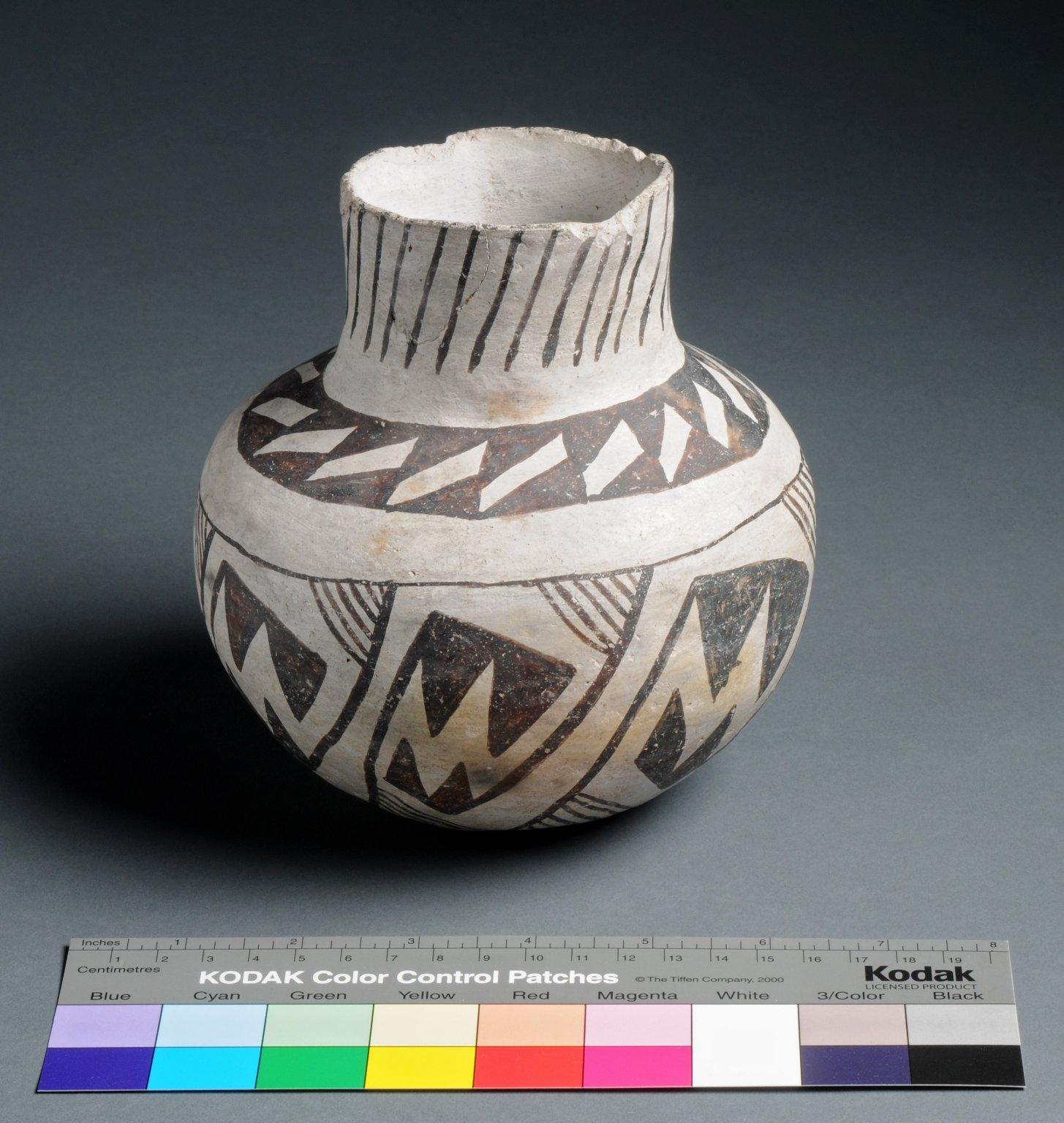 Cibola Ancestral Pueblo Clay Necked Jar