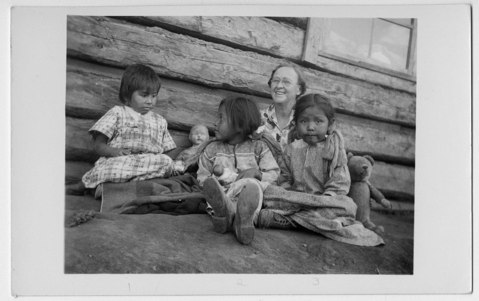 Jicarilla Apache children