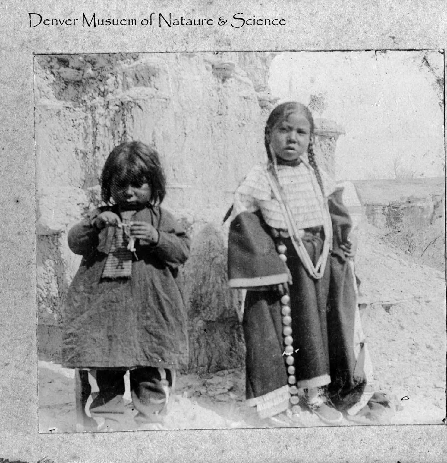 Sioux children